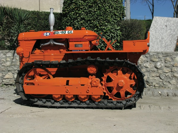Trattore fiat 1300 dt super trattori usati macchine html for Attrezzi agricoli usati piemonte